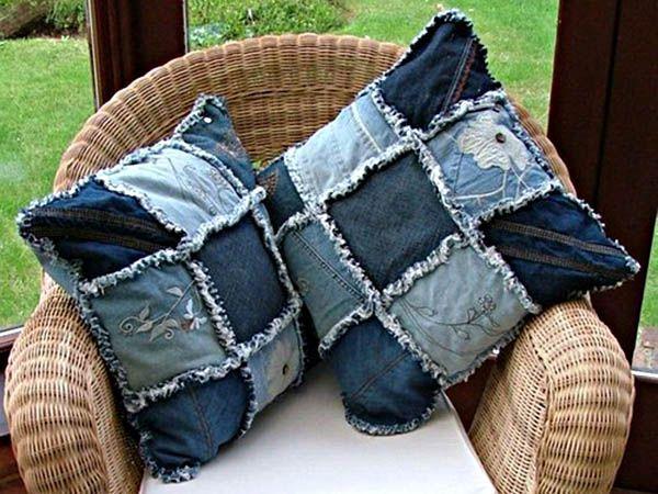 Классные подушки! Их прилично расположить не только в летнем саду на плетеном кресле, но и дома на диване. А дизайн может быть самым разным.
