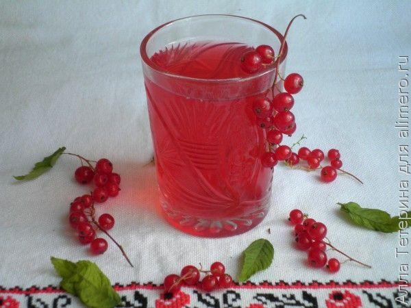 Компот из вишни и смородины с освежающим эффектом