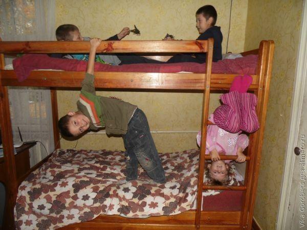 Двухъярусная кровать - альтернатива широкому дивану