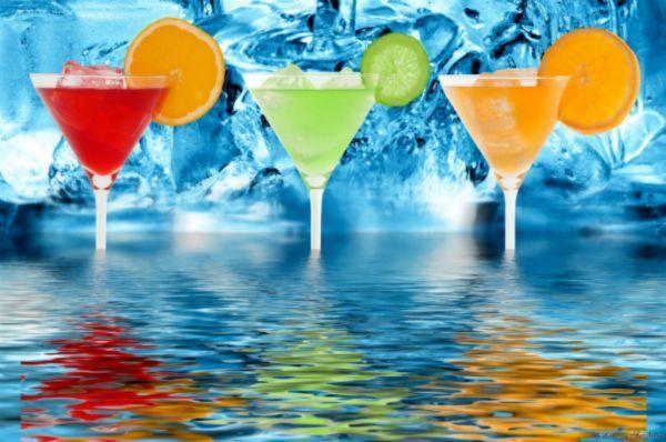 Холодные напитки с утра могут привести к спазмам желудка. Они разрушают слизистую, что может привести к язвам и гастритам.