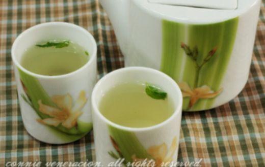 Зеленый чай - лучшее средство от морщин. Несколько чашек чая в день избавят вас от мелких и средних морщин полностью.