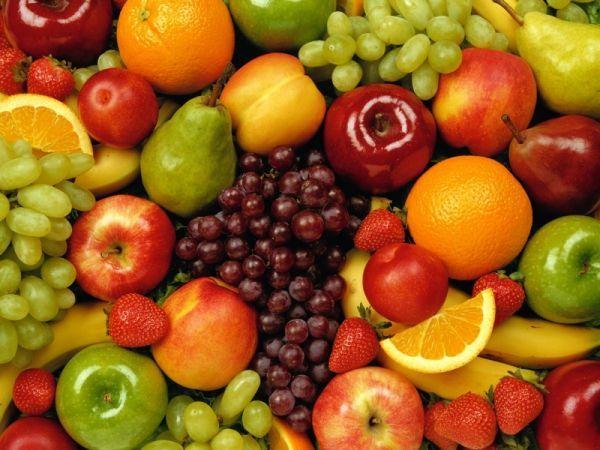 24. Не забывайте о свежих фруктах и ягодах – до 400 грамм. Самые низкокалорийные – яблоки, вишня, смородина и черника. Сочные плоды, в которых много фруктовых кислот, лучше добавлять в салаты, в чистом виде они могут разжигать аппетит.