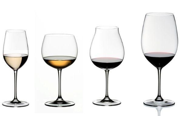 Если винные бокалы приобрели немного матовый оттенок, ополосните их холодной водой и досуха вытрите внешнюю сторону.