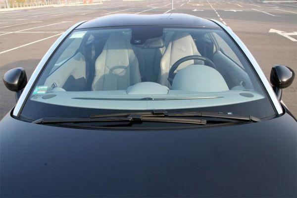 Чем больше пакетиков силикагеля будет на панели приборов твоей машины, тем менее запотеет ее ветровое стекло.