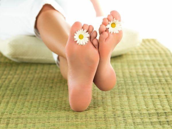 6. Успешно справляется хозяйственное мыло и с лечением грибковых заболеваний стоп. Советуют тщательно мыть пораженные области на коже мылом со щеткой, после чего обрабатывать поверхность кожи йодом.