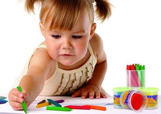 Разукрашивание. Приготовьте вместе с ребенком несколько заготовок с интересными ребенку картинками, можете скачать их в интернете.