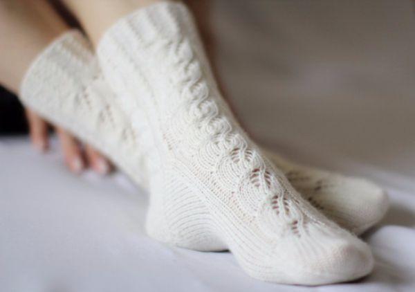 7. Белые носки, гольфы прекрасно отстираются, если их предварительно замочить на 1-2 часа в воде, в которую добавлены 1-2 ст.л. борной кислоты.