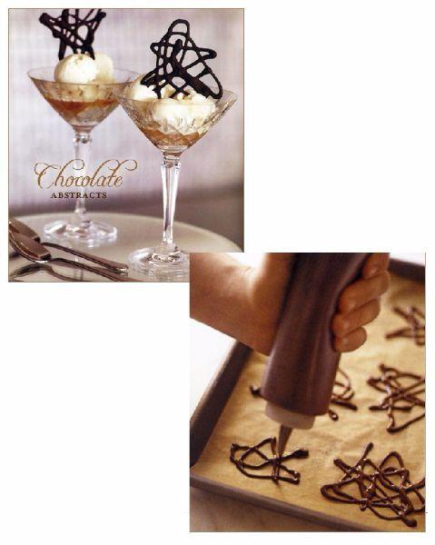 10.Шоколадные звездочки изготавливаются путем нанесения шоколада тонким слоем на пергамент в форме многогранной звезды.