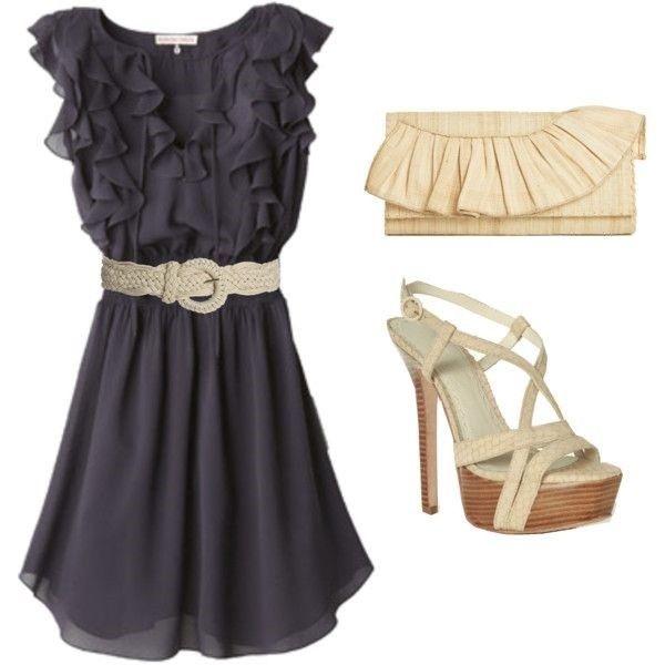 13.Воланы также на пике моды этим летом. Струящийся, кокетливый наряд можно смело одеть с обувью на каблучке.