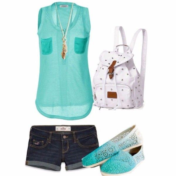 17.Джинсовые шорты с мятным топом и легкими кружевными мокасинами. Молодежный и удобный летний наряд.