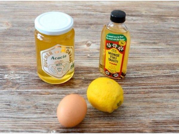 12. Ванночка с оливковым маслом, яйцом и медом. Подогрейте на водяной бане смесь из двух столовых ложек меда и такого же количества оливкового масла, затем снимите смесь с огня и добавьте в нее взбитое яйцо. Опустите руки в полученную ванночку на 15 минут, а затем ополосните их теплой водой.
