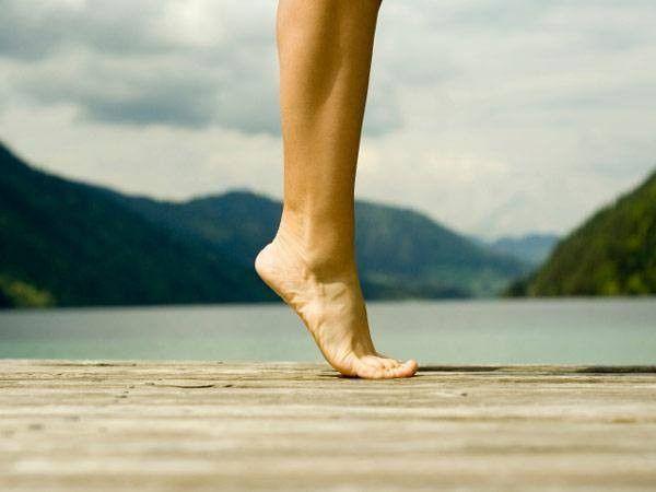 4. Ходьба на носочках, на пяточках. Это прекрасные упражнение для профилактики плоскостопия.