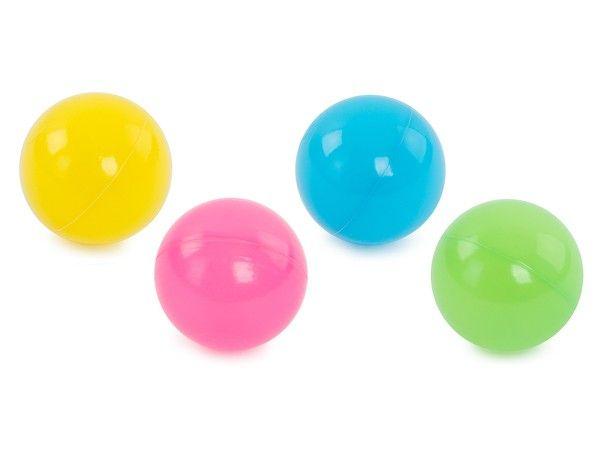 2. Учимся бросать и ловить мяч, бросать мяч об стенку, подбрасывать вверх. Можно использовать воздушный шар.