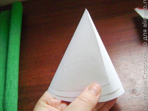 Елочка из гофрированной бумаги своими руками