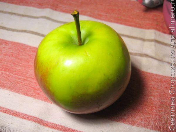 Компот из боярышника с яблоком