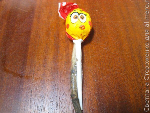 МК Привидения на Хэллоуин из конфет на палочке