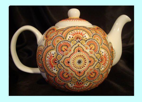 Для того, чтобы декорировать заварочный чайник, нам понадобятся следующие материалы: спирт, ватный кружок, контуры по стеклу и керамике, линейка и карандаш.