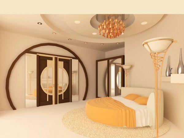 Прежде всего необходимо определиться с цветом стен в вашей будущей спальне. Это должен быть спокойный светлый оттенок, который не раздражает, не угнетает и не сможет надоесть.