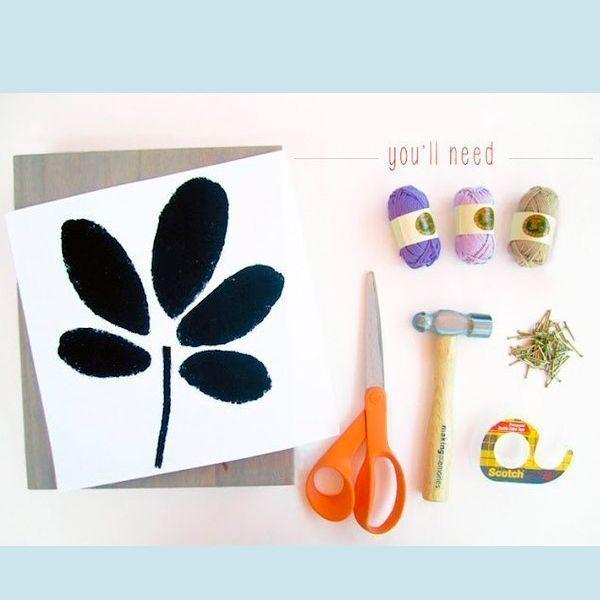 Для работы понадобится: выбранное изображение на листе бумаги, ножницы, гвоздики или кнопки, нитки выбранных цветов, молоток.