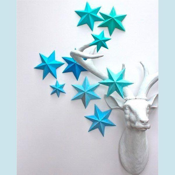 Для изготовления объемных звезд из бумаги нам потребуются: цветная бумага, карандаш, линейка, циркуль или стакан, ваза, блюдце (в зависимости от того, насколько большую звездочку желаете сделать).