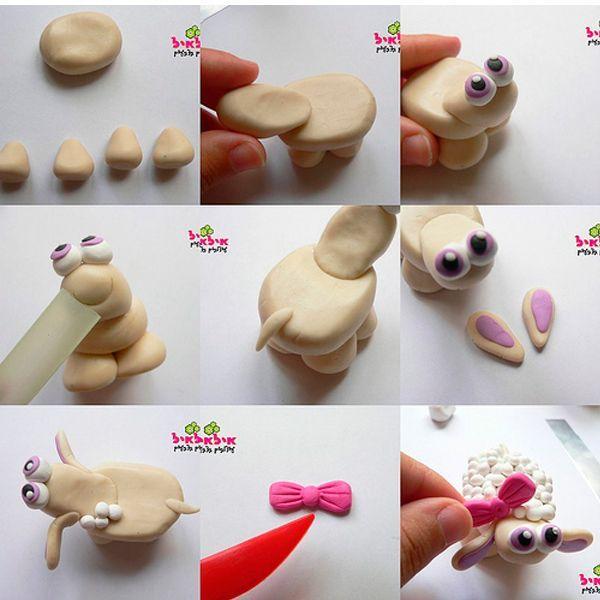 Можно сделать такой сувенир вместе с детьми. Если под рукой не оказалось полимерной длины, можно использовать обычный пластилин. Такая овечка может стать прекрасным талисманом на весь год.