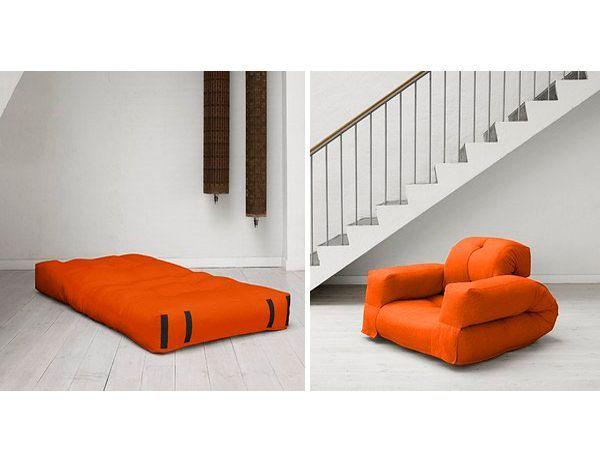 Кресло, которое при раскладывании становится матрасом, очень функциональная вещь. Прекрасно подойдет в качестве гостевого спального места.