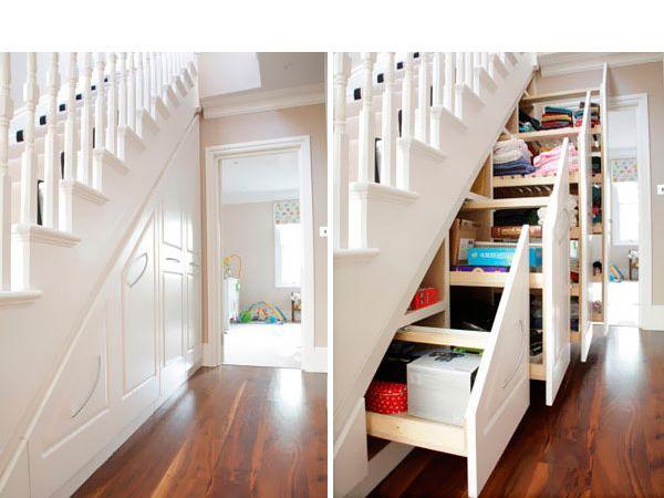 Комод под лестницей - это очень удобно! К тому же, такая конструкция занимаетничуть не больше места, чем лестница без комода :)
