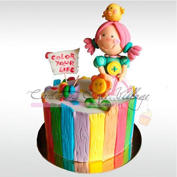 Украшение тортов мастикой станет не менее запоминающимся для детей, если с её помощью создать любимый рисунок ребёнка или интересную надпись.