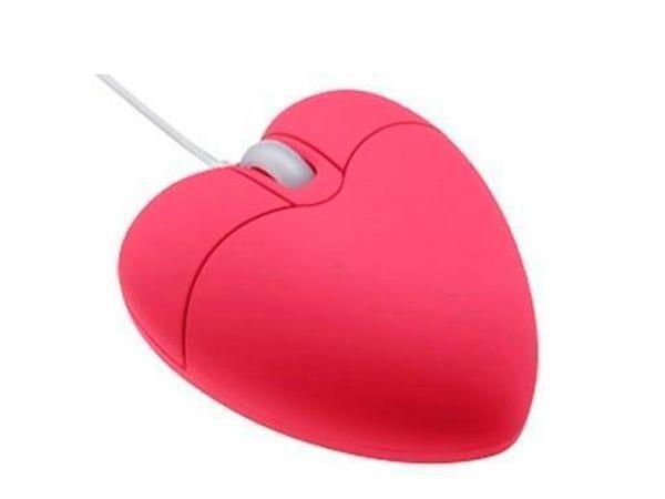 Если ваш любимый имеет отношение к компьютерам, то отличным и, конечно, романтичным подарком будет компьютерная мышь в виде сердца. Так сказать, положив руку на сердце…