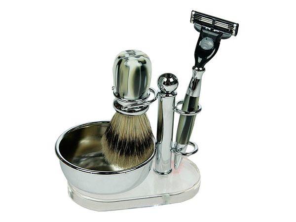 Бритвенный набор – это хороший подарок для мужчины на любой праздник. Действительно, мужчины брились и будут бриться всегда. Качественные бритвенные наборы отличаются уникальным дизайном и высококачественными материалами.
