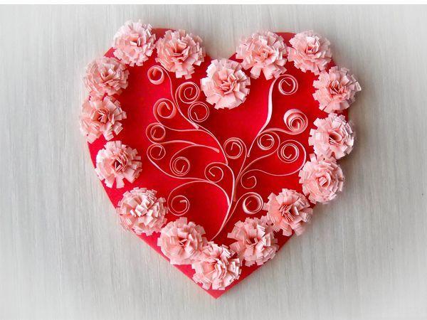 Для этого сердечка нужно подготовить: бумагу для квиллинга, ножницыи, клй, картон красного цвета, палочку для квиллинга.