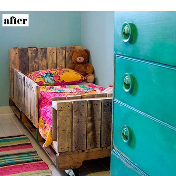 Еще один способ применений европоддонов. Кровать из них смотрится очень мило!