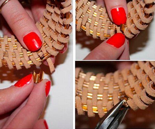 Во время плетения сдвигайте шнур так, чтобы между ними не было зазоров. Когда закончите работу, конец шнура зажимом прикрепите к браслету.