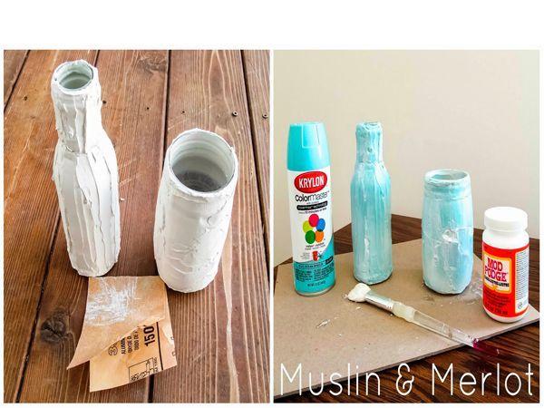Покройте вазу как толстым, плотным слоем краски, так и слегка побрызгав, сделав легкий намек на неровности, подчеркнув текстуру. Лучше использовать краску из баллончика.