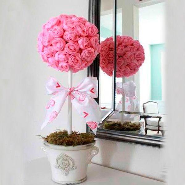 Чтобы сделать розовое дерево, нам понадобятся: бумажные салфетки, палка-ствол, краска, пена или алебастр, лента, емкость для посадки деревца.