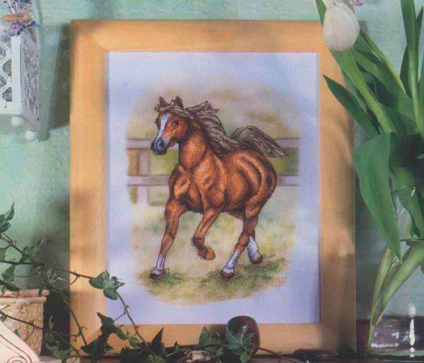 Лошадки — 18 схем вышивки крестом