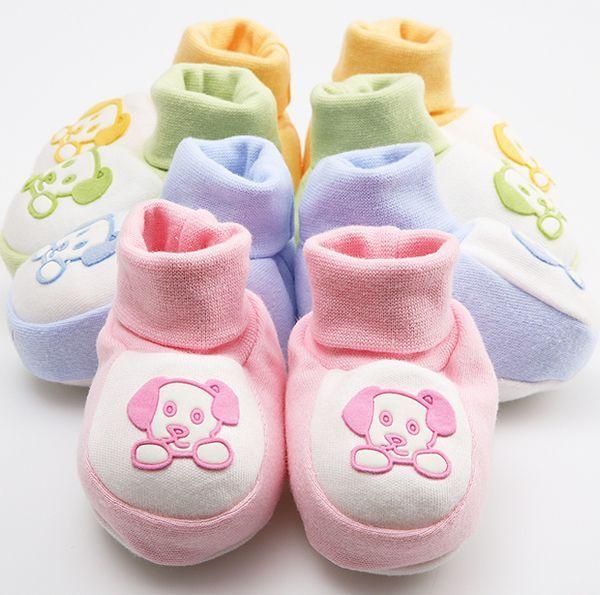 Теплые уютные пинетки понадобятся малышу в любое время года, ведь даже летом бывают прохладные дни и вечера!