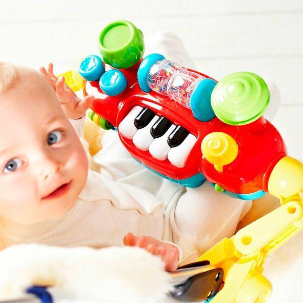 В жизни каждого малыша наступает период, когда в коляске ему сидеть совсем не хочется. Музыкальный бампер очень пригодится!
