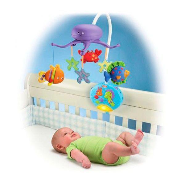Даже новорожденному ребенку нужны игрушки. Электрический мобиль будет развивать координацию и зрение малыша.