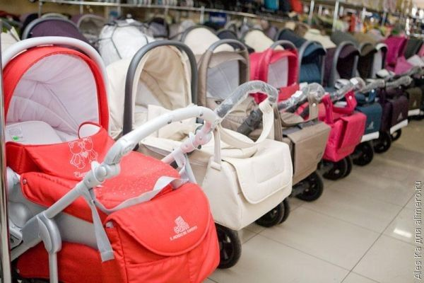 Стоит ли покупать детскую коляску до родов?