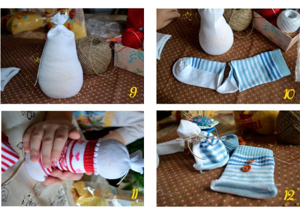 Теперь начинается самое интересное: снеговичков нужно одеть. Для этого мы берём цветные носочки и отрезаем пятку. Она нам не понадобится.
