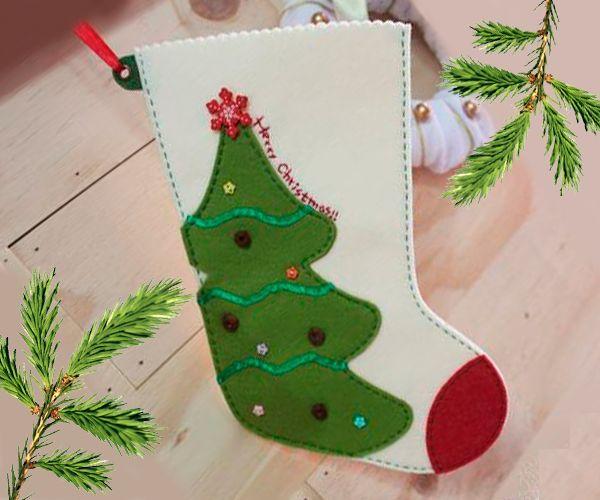 Какой же праздник без новогоднего сапожка? Предлагаю сшить его из фетра. Вам понадобятся ножницы, фетр, нитки, иголка, немного тесьмы для петельки.