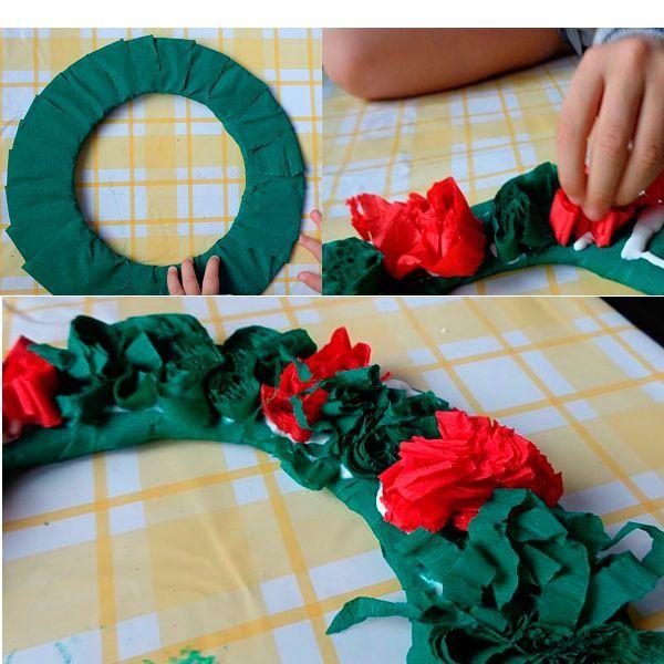 Складывайте небольшие кусочки бумаги срезом вверх и клеем ПВА приклеивайте их к основе плотно друг к другу. Цвета чередуйте так, как показано на фото.