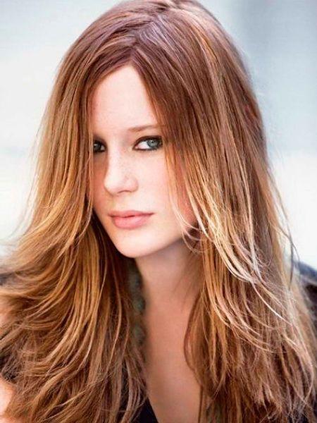 Очень красиво смотрится на волосах калифорнийское мелирование, особенно на рыжих оттенках волос 2015 года. Эффект выгоревших кончиков теперь можно заполучить даже зимой.
