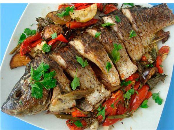 Приготовление рыбы для похудения должно происходить без помощи масла. Термическая обработка может быть практически любой, лучше всего чередовать вареную, тушеную и запеченную рыбу.
