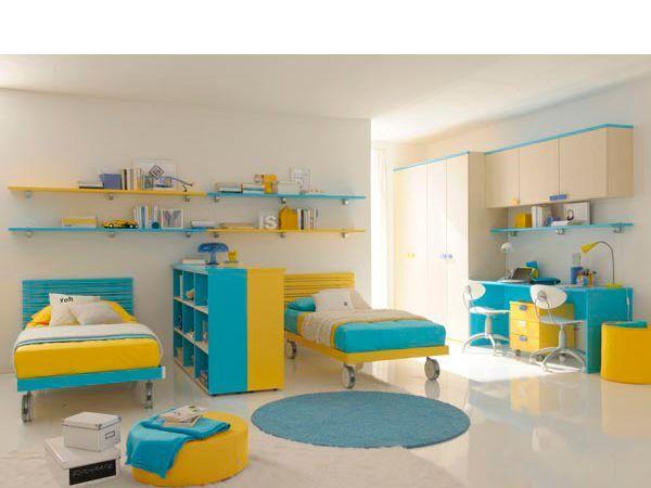 Дизайн детской комнаты для двойняшек в подростковый период должен обязательно подразумевать личное, обособленное пространство для каждого ребенка, возможно, даже следует отделить и обособить территорию каждого.