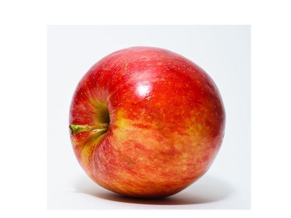 Яблоки идеальная пища. Они успокаивают нервы, наполняют желудок, улучшают пищеварение. Одного яблока перед едой вполне достаточно.