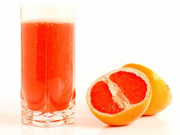 Если вы за завтраком пьете фруктовые соки, то имейте в виду, что лучше всего грейпфрутовый, т.к. он содержит вещества, очищающие почки.