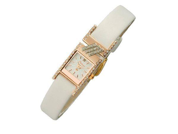 Часы - тоже отличный подарок. Хотя есть приверженцы теории, что подаренные часы сокращают годы жизни одариваемому. Если вы относитесь к таковым, то попросите маму «выкупить» у вас подарок копеек за 50.