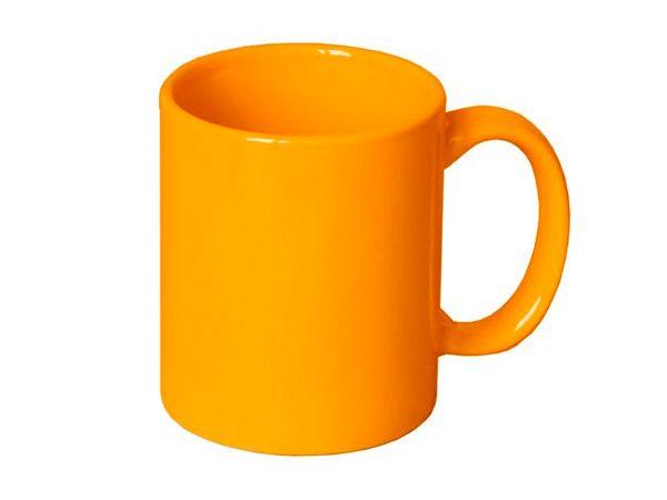 Отличное применение нашлось зубной пасте на кухне: с помощью зубной пасты легко удаляется налет в чашках от чая и кофе.